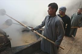 Тростниковую мелассу в Египте делают так же, как 150 лет назад