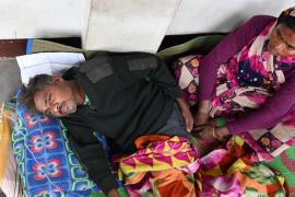 Число отравившихся алкоголем в Индии достигло 150
