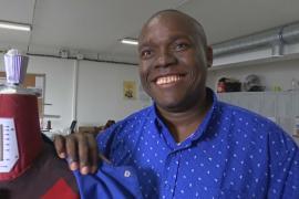 Во Франции портные-мигранты попробовали себя в роли модельера