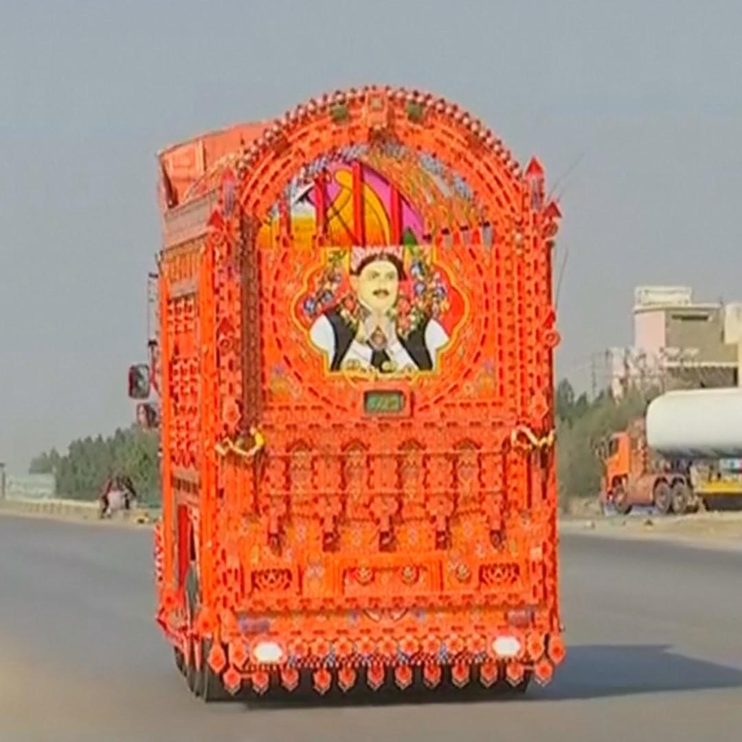 Тюнинг грузовиков в Пакистане: картины за несколько тысяч долларов
