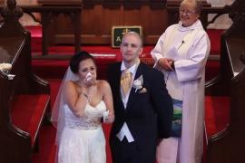 Учительница расплакалась от свадебного подарка учеников