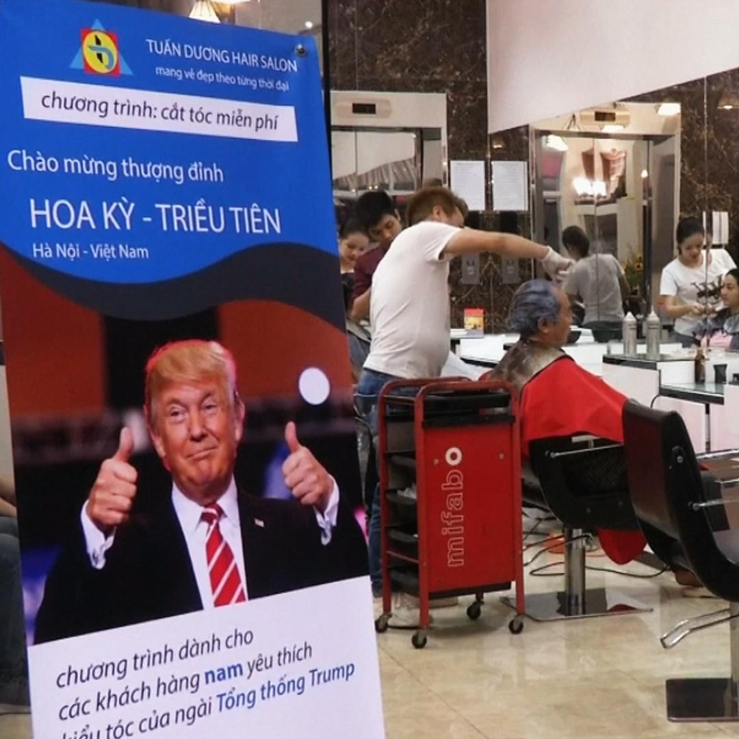 Вьетнамцы стригутся под Трампа или Ким Чен Ына в преддверии саммита