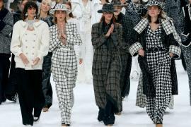 Последний показ Карла Лагерфельда для Chanel прошёл в Париже
