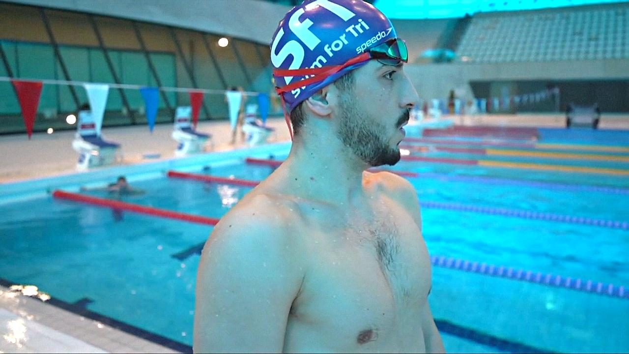 Сирийский беженец научился плавать, а теперь готовится к Олимпийским играм