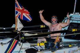 Британец без ноги установил мировой рекорд, переплыв океан на лодке