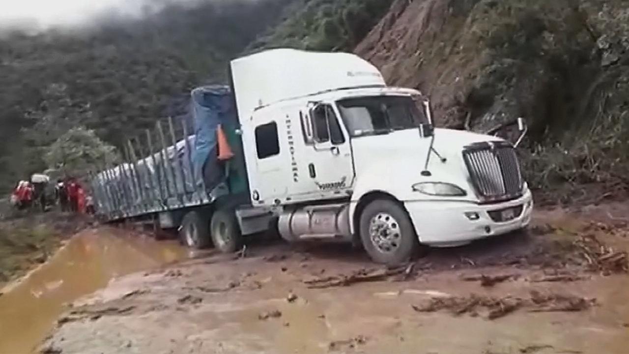 В Перу оползень сошёл на трассу: 8 пропавших без вести