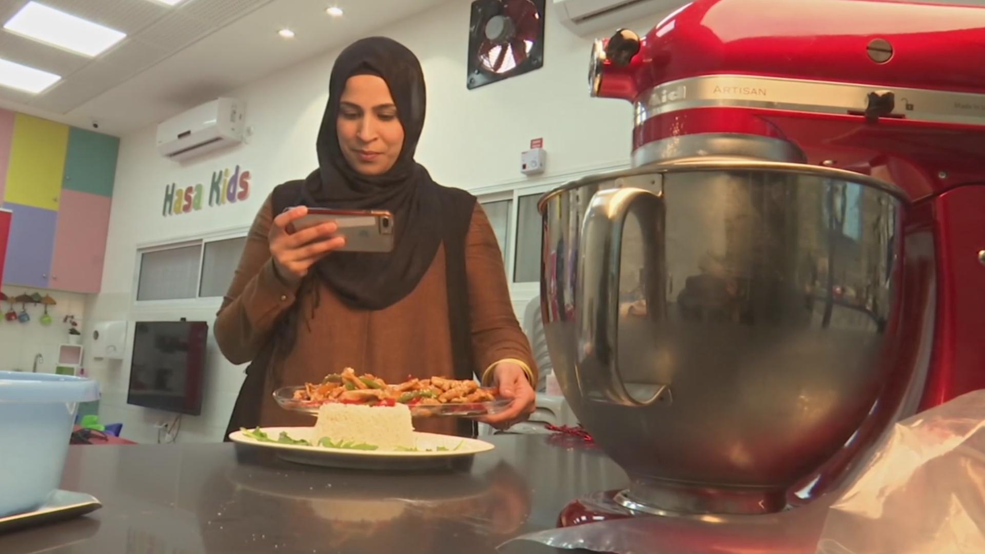 Успех на Facebook вдохновил израильтянку открыть кулинарную школу