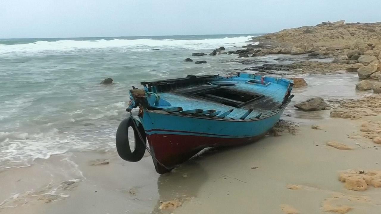 У берегов Ливии затонула лодка с мигрантами, десять из них погибли