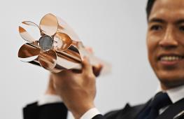 Факел японской Олимпиады сделали в виде цветка сакуры
