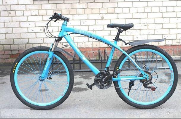 Велосипед BMW на спицах