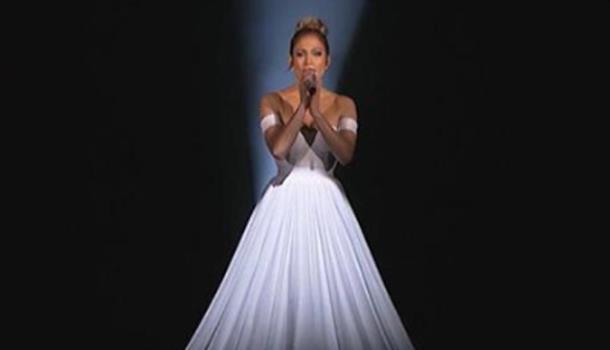 Платье Дженнифер Лопес стало главной частью светового шоу