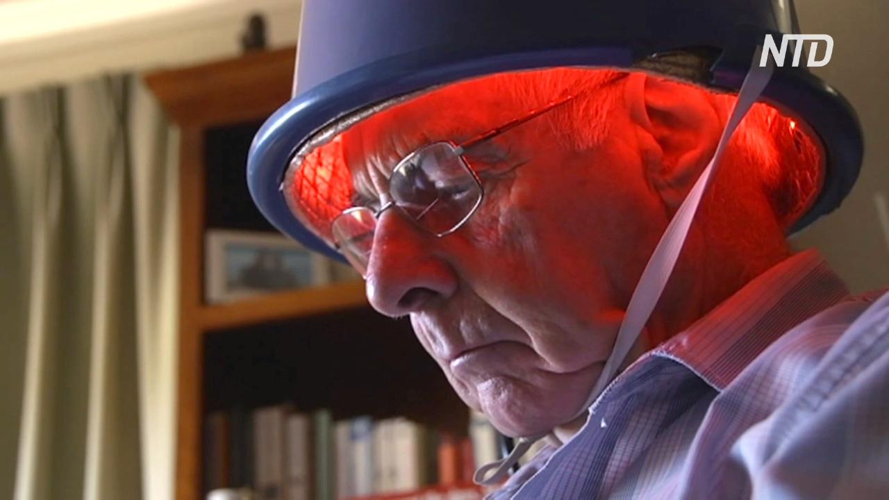 Поможет ли шлем с красным светом остановить развитие болезни Паркинсона?