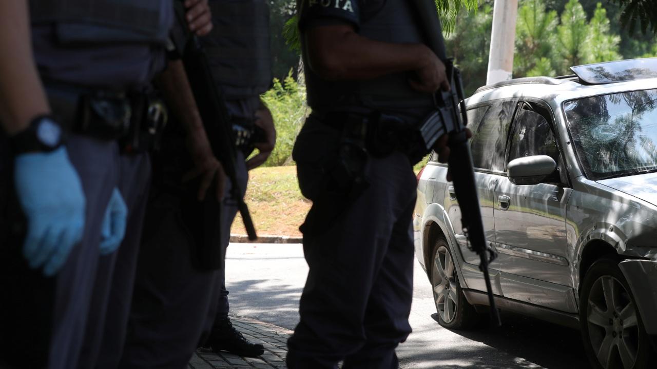 В Бразилии при попытке ограбить банки застрелили одиннадцать налётчиков