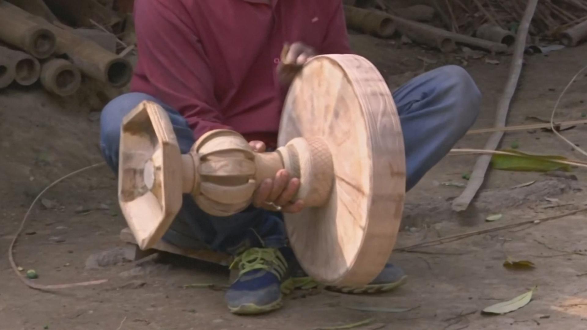 В Индии изготавливают мебель из бамбука по старинным методикам