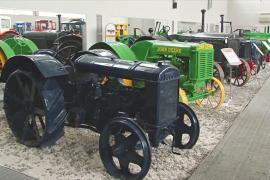 Раритетные и современные тракторы украшают музей в Чебоксарах