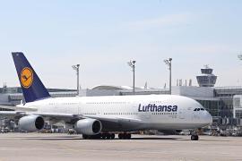 Lufthansa сообщила об убытках на фоне подорожания топлива и падения цен на билеты