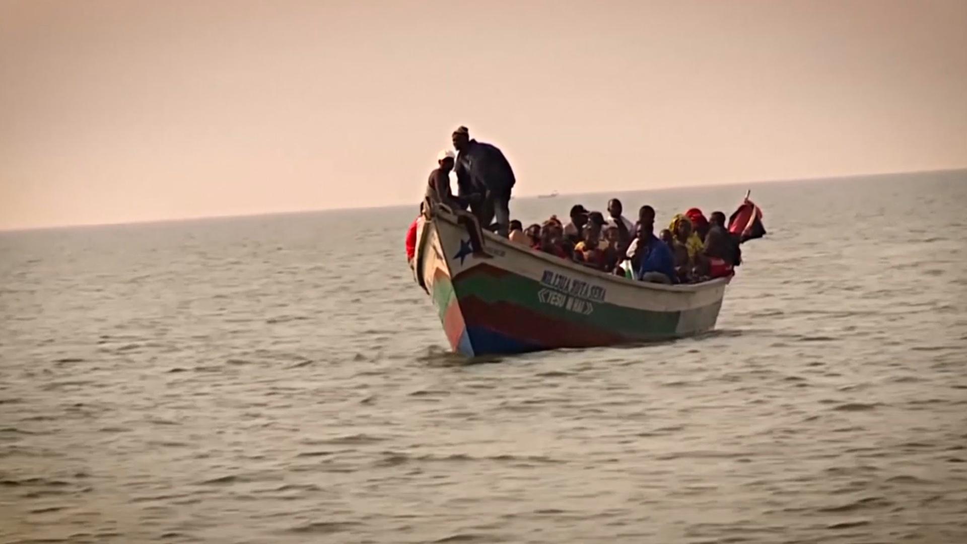 150 человек пропали без вести в ДР Конго после крушения лодки