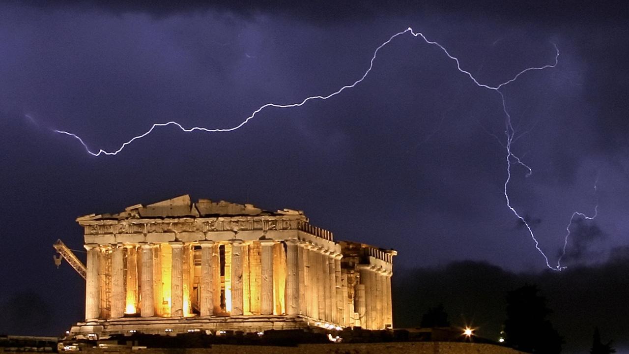 В Акрополь ударила молния, пострадали туристы