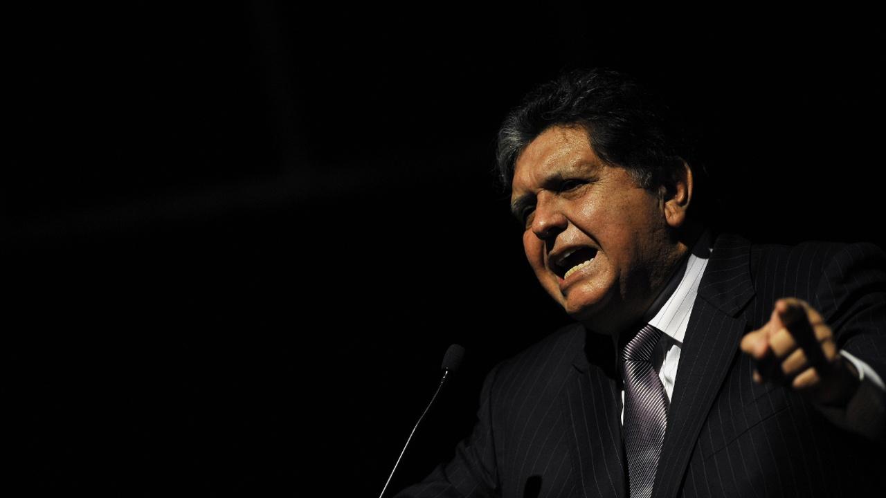 Экс-президент Перу Алан Гарсия умер после попытки самоубийства