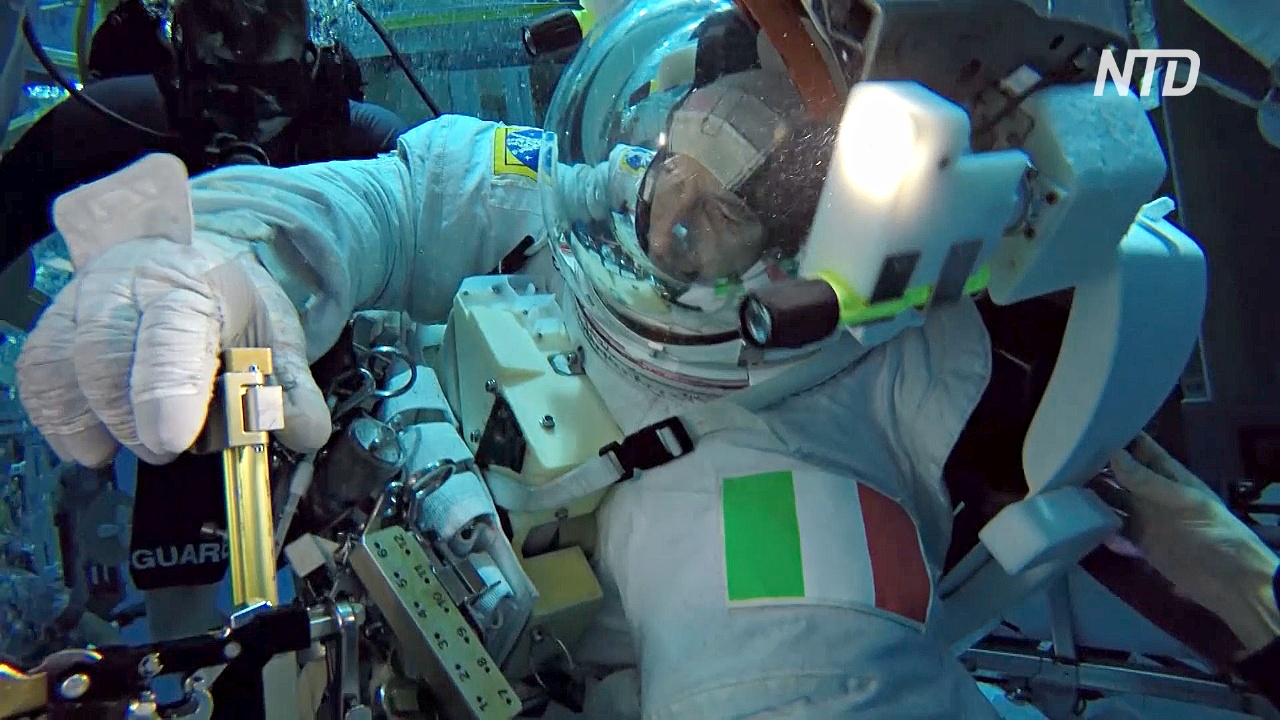 В центре подготовки НАСА астронавты готовятся к полёту на МКС и делятся опытом