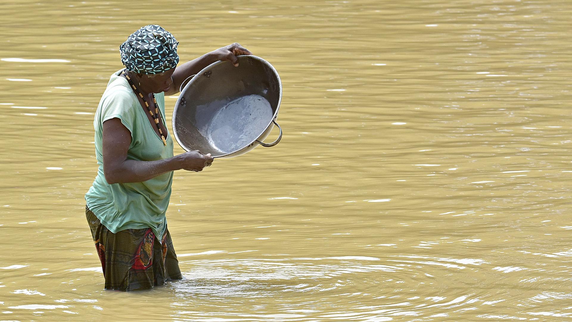 Сколько золота вывозят из Африки контрабандой?