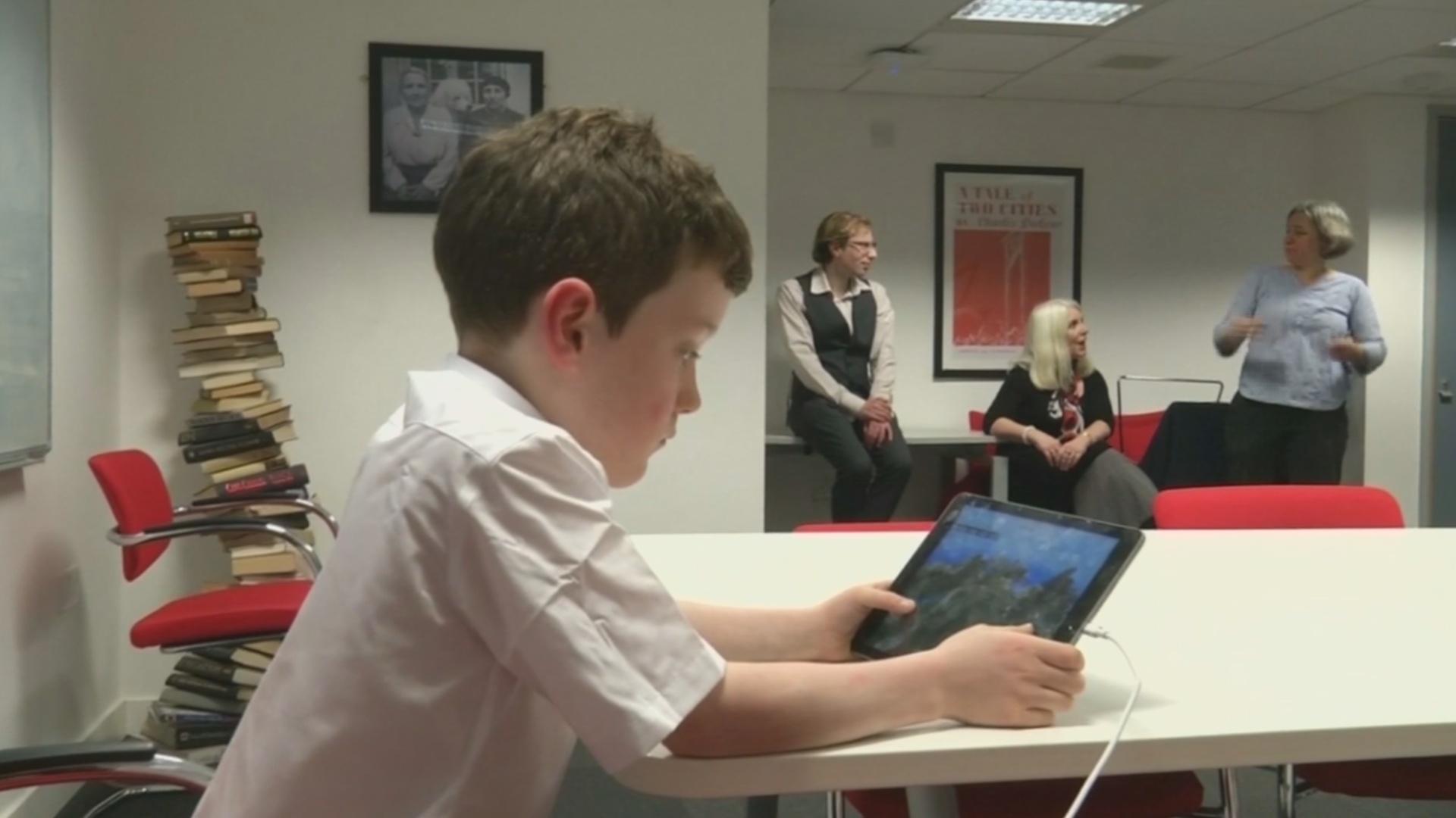 ВОЗ советует детям младше пяти лет не сидеть у экранов дольше часа