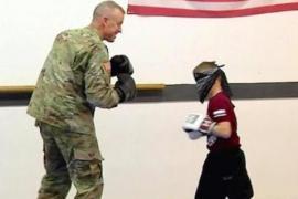 Мальчик боролся в спарринге, не зная, что соперник – его отец