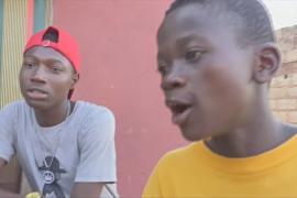 Юные нигерийцы из трущоб прославились своими песнями