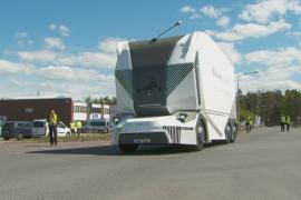 Беспилотные электрогрузовики выехали на дороги Швеции