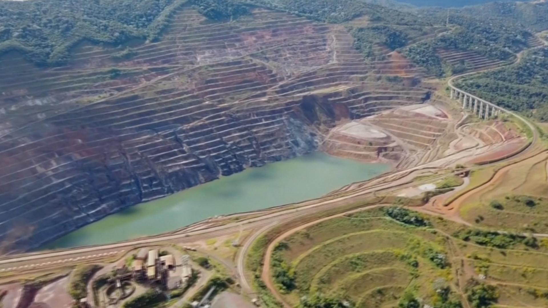 Бразильский город может исчезнуть из-за прорыва дамбы
