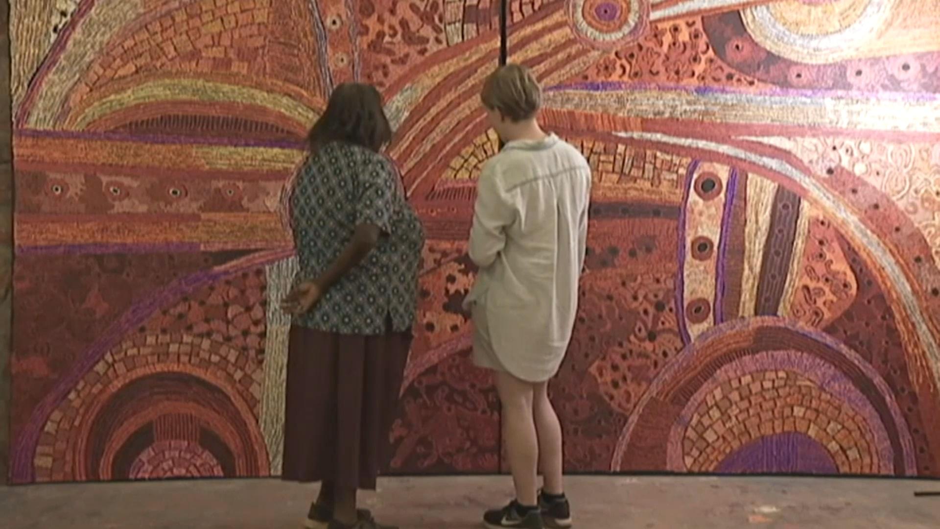 Австралийским аборигенам помогут продавать традиционные картины