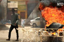 В Судане начались стычки между военными и участниками сидячей забастовки