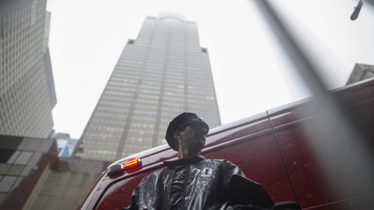 Вертолёт врезался в крышу небоскрёба на Манхэттене