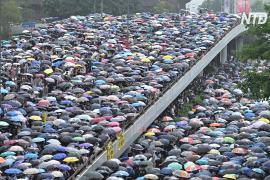 Протесты под дождём: гонконгцы снова вышли против закона об экстрадиции