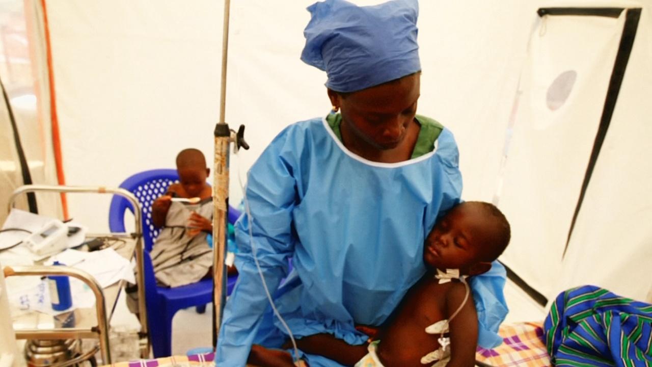 Эбола добралась до Уганды: выявлен первый случай заболевания