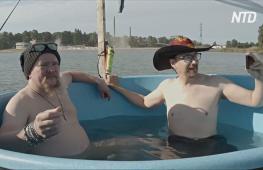 Актёр Вилле Хаапасало переплыл Финский залив на плоту с бассейном