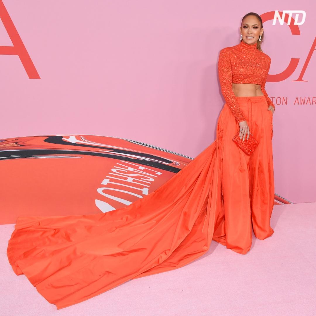 Дженнифер Лопес назвали иконой моды