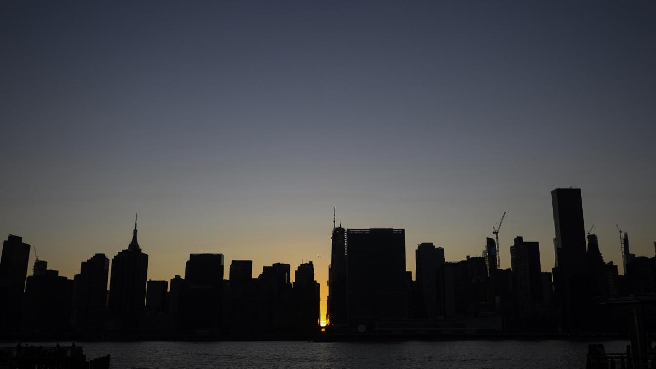 Масштабное отключение света в Нью-Йорке: были обесточены метро и светофоры