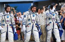 Экипаж, стартовавший в день 50-летия первой высадки на Луну, перешёл на МКС
