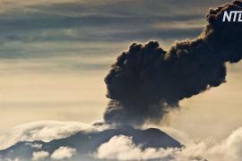 Перуанцам пришлось бежать от вулкана Убинас под покровом ночи