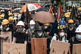 В Гонконге в 22-ю годовщину перехода под управление КНР снова вспыхнули протесты