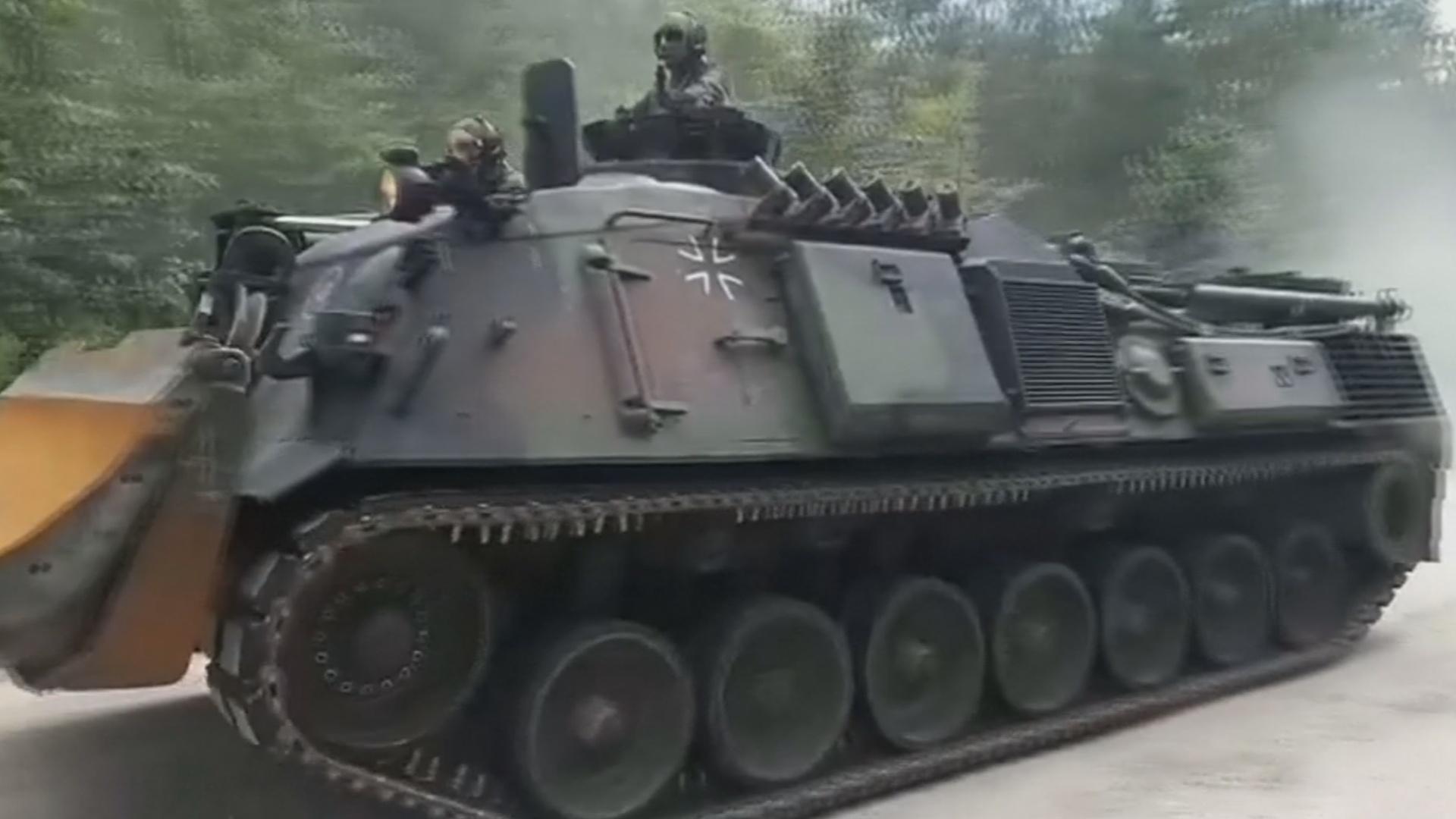 К тушению крупнейшего лесного пожара на севере Германии привлекли армию