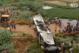 Водитель уснул за рулём: 29 человек погибли в Индии