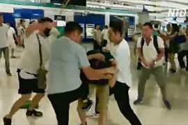 Гонконгцы требуют от властей извинений за насилие