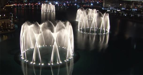 Шоу фонтанов в Дубае и 6600 прожекторов заворожили миллионы зрителей