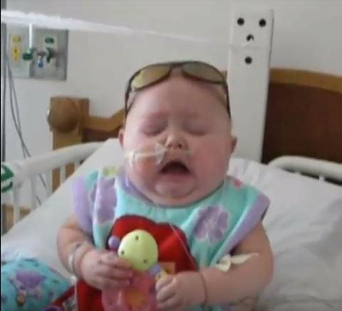 10 - Малыши чихают. Очень смешное видео!