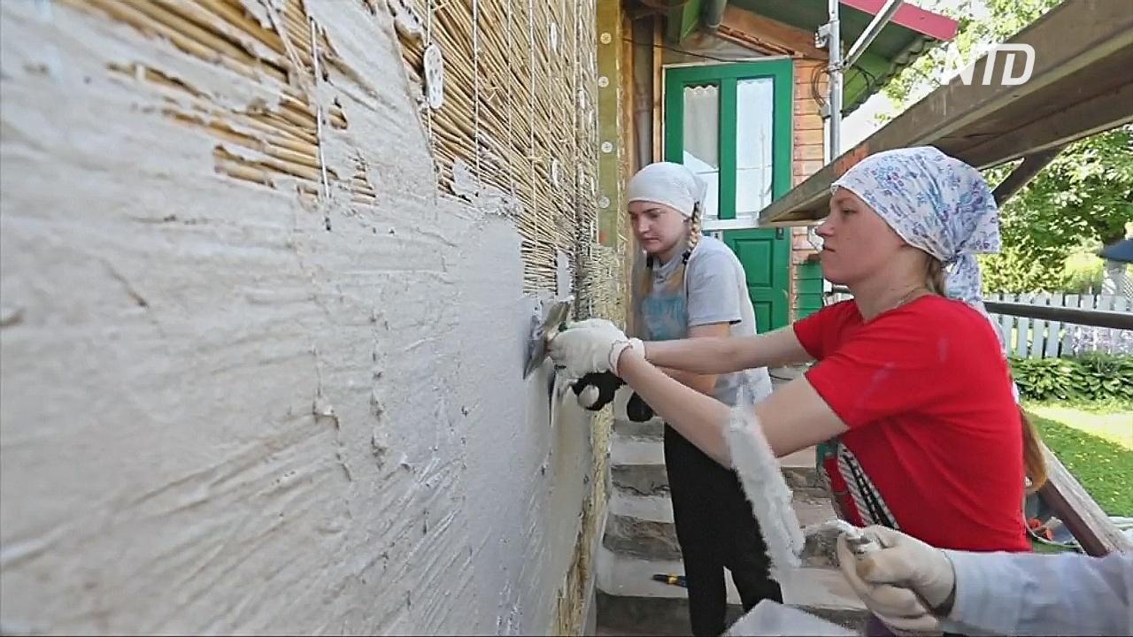 Волонтёры из Беларуси и Германии строят дома для пострадавших от взрыва на Чернобыльской АЭС