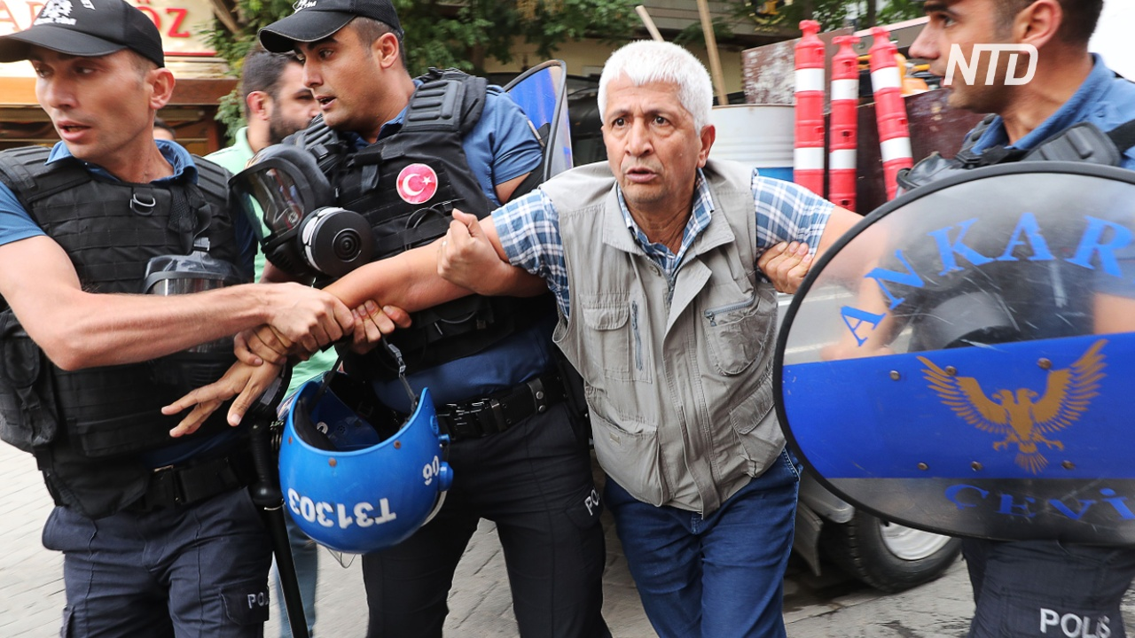 В Турции протестуют против смены трёх мэров, уволенных за связи с РПК