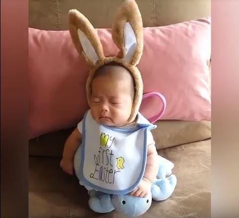 2 - Малыши чихают. Очень смешное видео!