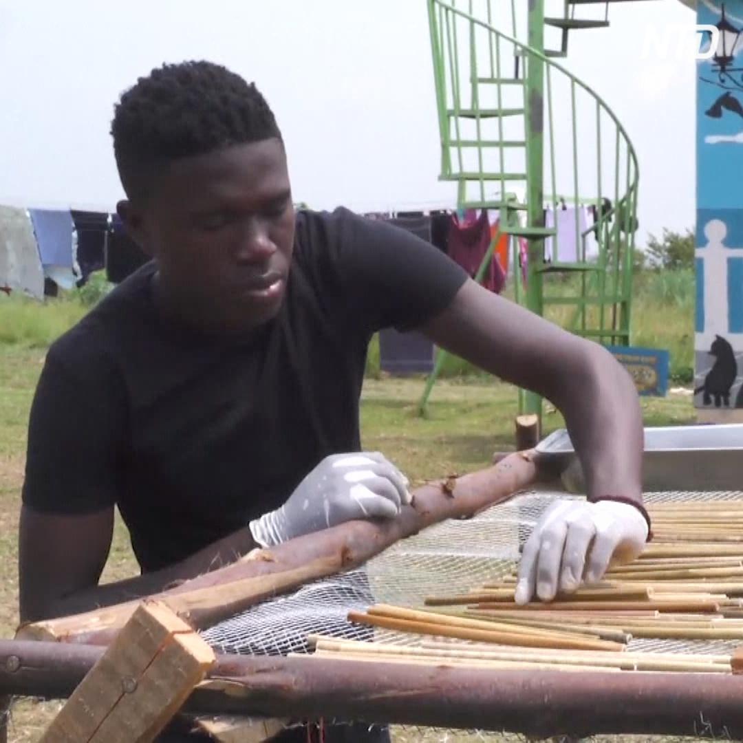 Бизнес на соломе: угандиец делает натуральные трубочки
